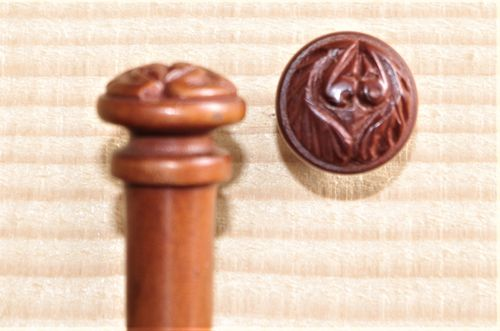 BOTTONE PER VIOLINO IN BOSSO SCOLPITO - VIOLIN END BUTTON CARVING BOXWOOD