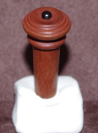 BOTTONE PER VIOLINO BOSSO MOD. SEMI HILL PALLINO NERO-VIOLIN END BUTTON BOXWOOD SEMI HILL BLACK TOP